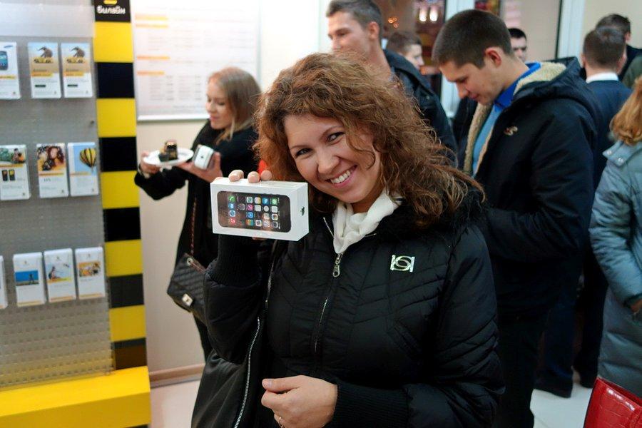 Начало официальных продаж iPhone 5S/5C в России